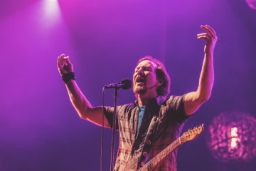 "Eddie Vedder ha cantato ""In Gods Country"" degli U2"