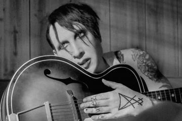 "Marilyn Manson ha inciso una versione shock rock di ""God's Gonna Cut You Down"""