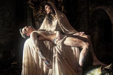 """Achille Lauro in versione Jesus nel video di """"Me ne frego"""""""
