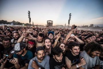 L'Italia sta valutando di sospendere tutti i concerti dei prossimi 30 giorni