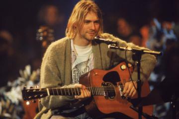 All'asta la chitarra che Kurt Cobain suonò all'Unplugged