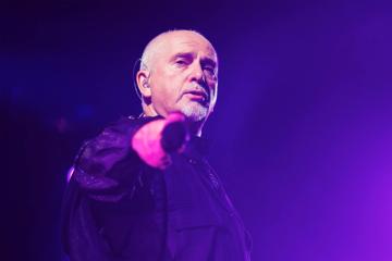 """Guarda """"Scratch My Back"""", il concerto di Peter Gabriel a Verona"""