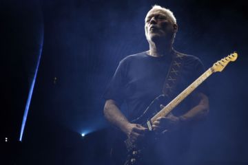 "David Gilmour, ascolta la nuova ""Yes, I Have Ghosts"""