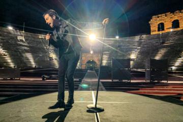 """Guarda Diodato cantare """"Fai rumore"""" in un'Arena di Verona vuota"""