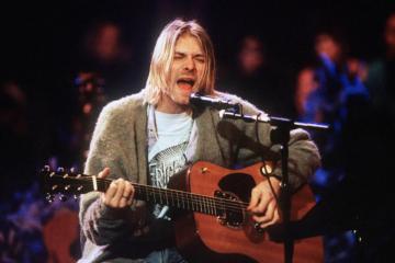 La Martin D-18E di Kurt Cobain è stata venduta a 6 milioni di dollari