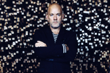 "Michael Stipe, ascolta la versione in studio di ""No Time For Love Like Now"""