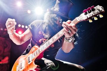 Slash: «Durante il lockdown ho scritto nuova musica per i Guns N' Roses»