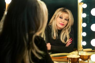 Il country pop di Dolly Parton va riscoperto subito