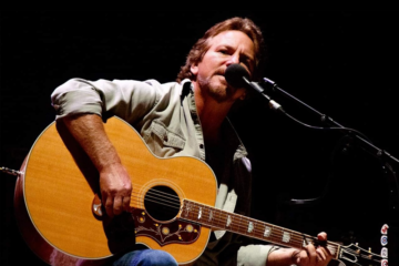 "Ascolta Eddie Vedder suonare ""Growin' Up"" di Bruce Springsteen"