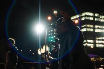 Liam Gallagher ci ha insegnato l'arte del livestream