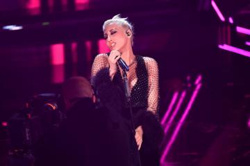 Sanremo, le pagelle della seconda serata: Dio salvi Malika Ayane