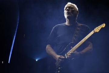 Avete mai ascoltato David Gilmour suonare i Fleetwood Mac?