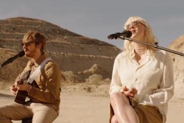 Billie Eilish ha suonato live in mezzo al deserto il nuovo singolo